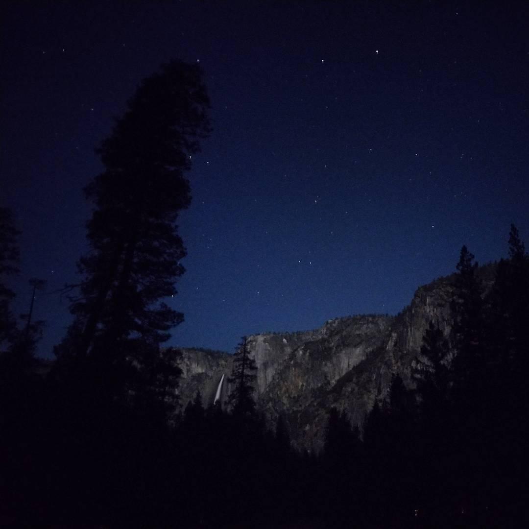 #Yosemite Falls at night #⛺️