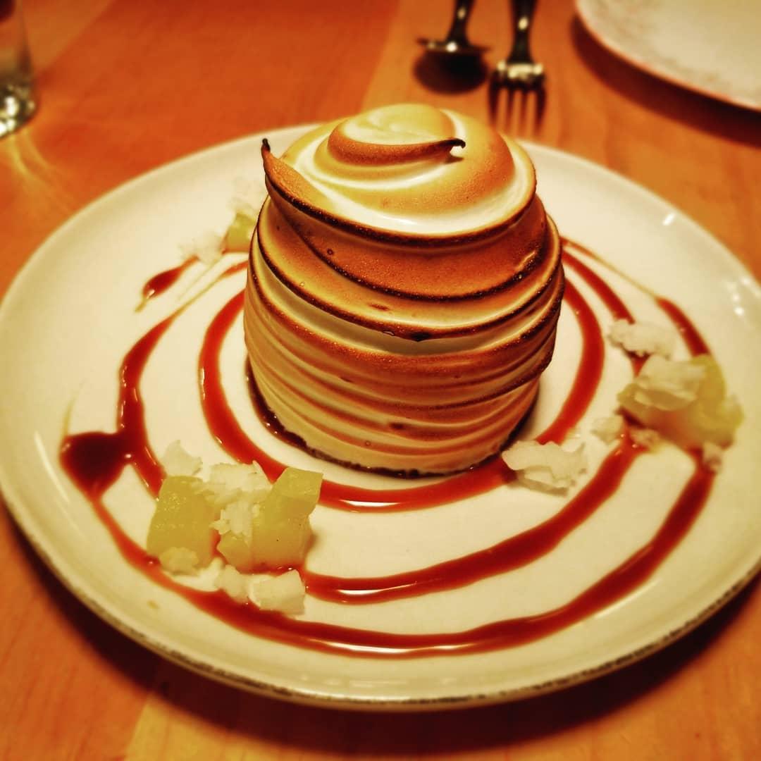 Baked Alaska 🎉 #liholihoyachtclub